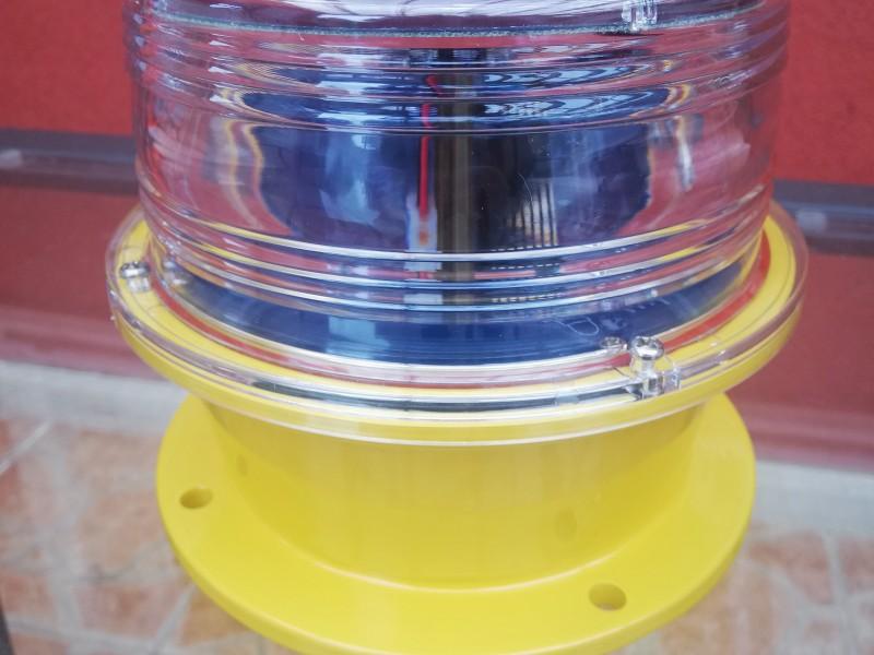 Baliza Marina Solas base metal transparente luz blanca